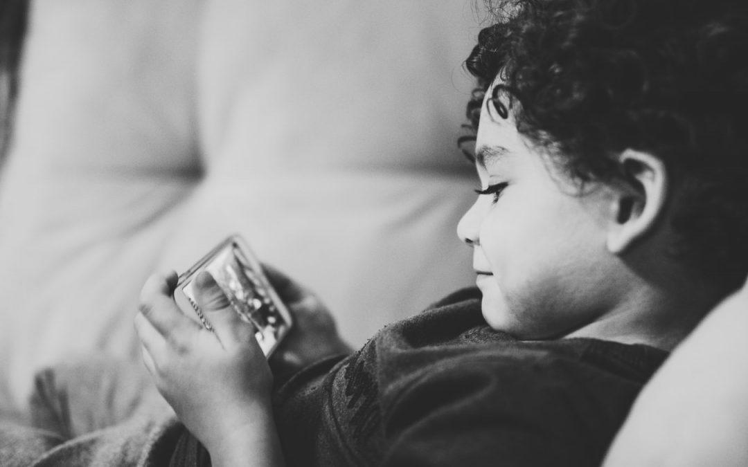 Is mijn kind verslaafd aan zijn smartphone?