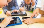 kinderen die tablet gebruiken